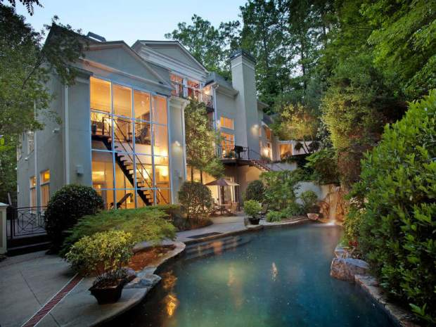 A lovely pool in a Vinings home for sale listed by Tina Hunsicker .
