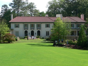 The gardens of the current home of Stephanie & Arthur Blank, located at 1080 West Paces Ferry Road. Photo by Thomas A. Wolfe.
