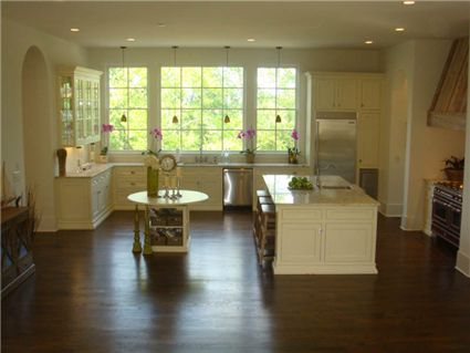 Chastain Park - 127 Laurel Drive, the lovely, open kitchen. Sold by Tina Hunsicker of Atlanta Fine Homes Sotheby's International Realty (representing the buyer).