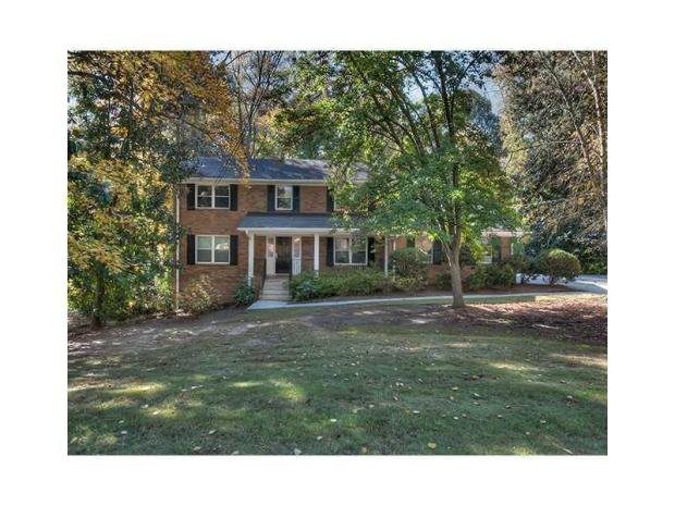 This home at 4300 Brookview Drive, Atlanta, GA  30080, is the ultimate in Vinings convenience.  Originally offered for $499,900, and now under contract.  Tina Hunsicker of Atlanta Fine Homes Sotheby's International Realty represents the seller in this transaction.