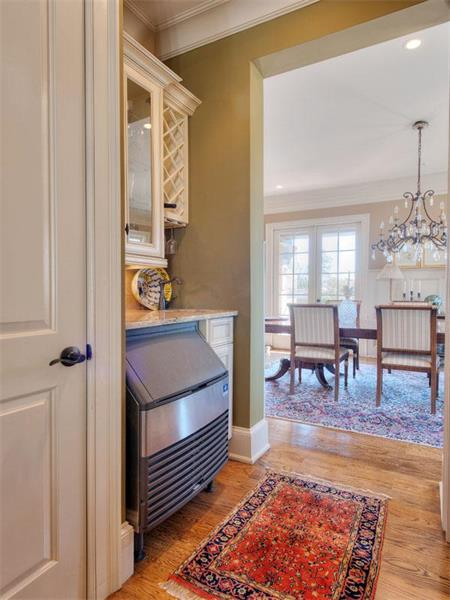 Entertain with ease and style with this butler's pantry that features an ice maker.  Click on the image for additional information and more photos.