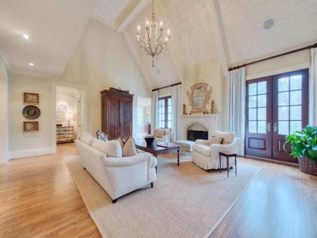 French_country_home_Brandy_station_family_room
