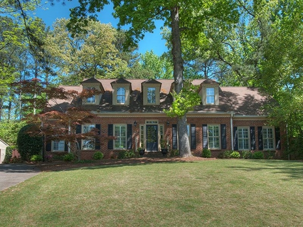2681 Orchard Knob in Vinings. Offered at $925,000 by Tina Hunsicker of Atlanta Fine Homes Sotheby's International Realty. Click on the image for additional information and more photos.
