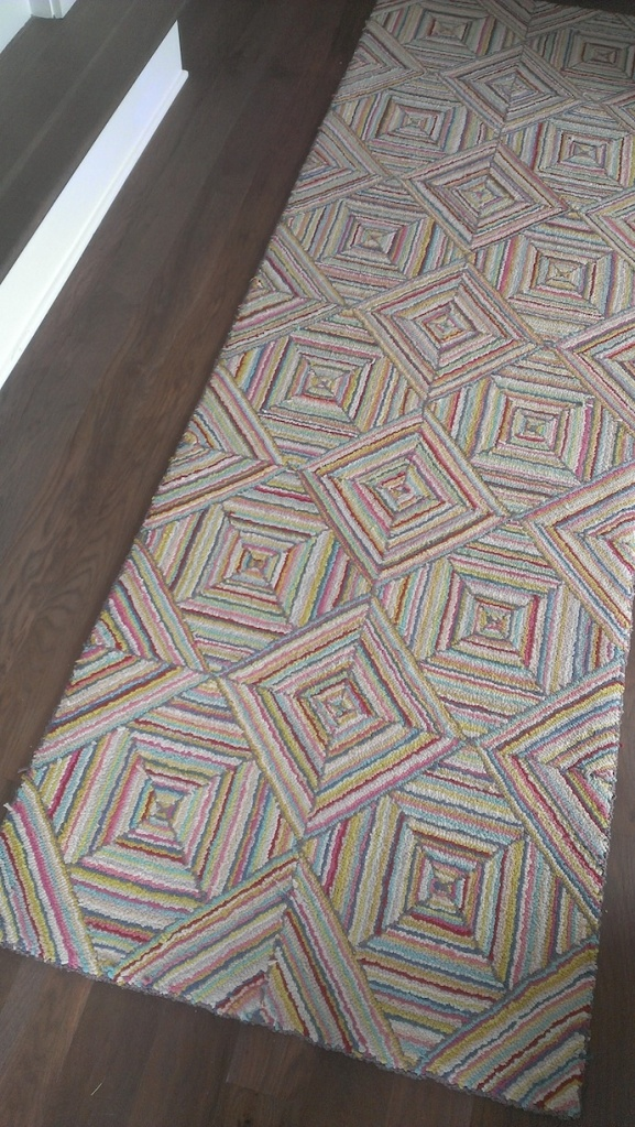 Just love this rug!  Goes with all the fabulous colors.
