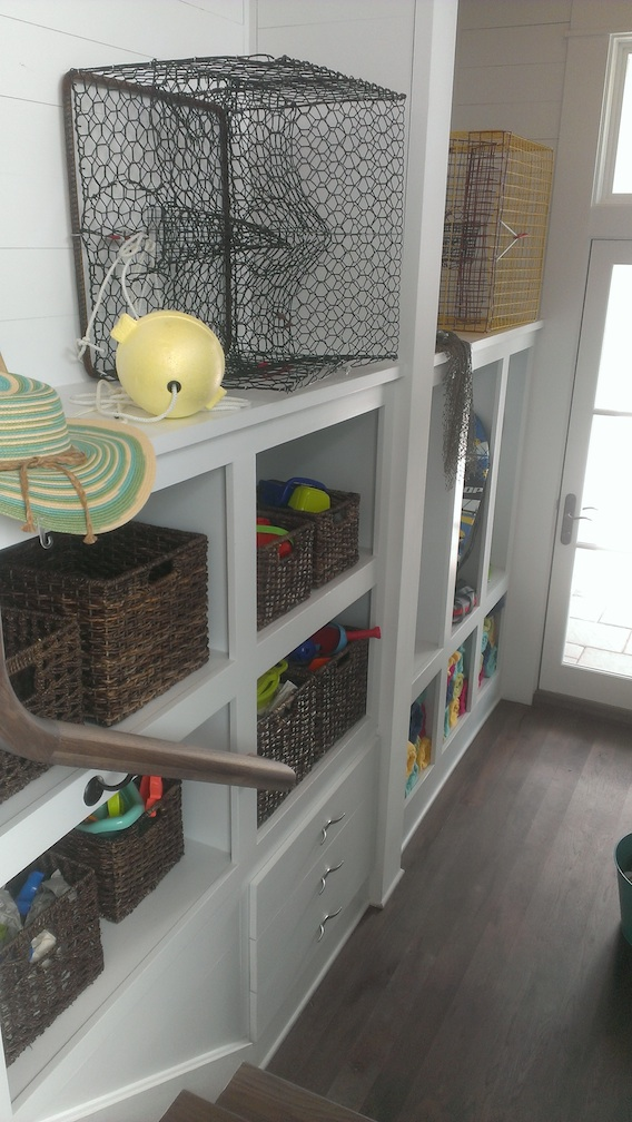 If everyone's mudroom could be this spacious and organized!