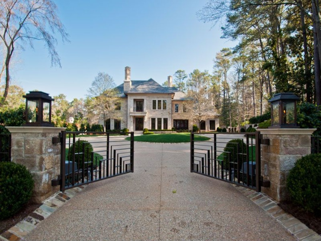 Famous people in atlanta real vinings buckhead for New modern homes in atlanta ga