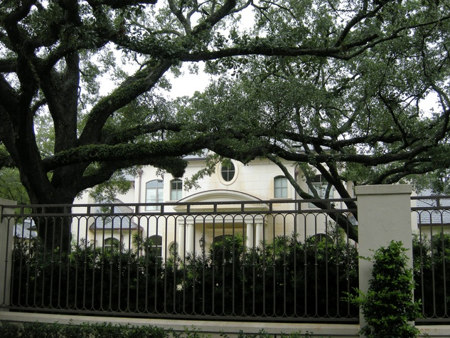 Osteen_River_Oaks_house