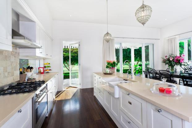 22-luxury-galley-kitchen-design-ideas-pictures-cabinets-online-istock_000018389708_m-clean-line-top-straight-or-not-valley-shadow-with-fabric-trim.jpg